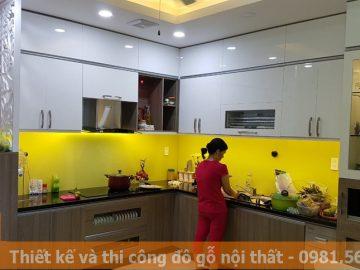Đóng tủ bếp ở Quận 10 gỗ acrylic bóng gương MS0049