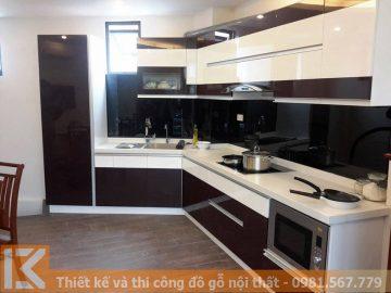 Tủ bếp chữ L thiết kế hiện đại màu đỏ trắng MS0028