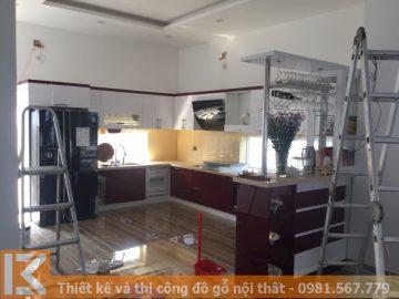 Nhận đóng tủ bếp gỗ kết hợp quầy bar ở Bình Dương MS0026