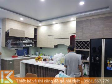 Thi công tủ bếp nhựa picomat phủ laminate đẹp MS0041