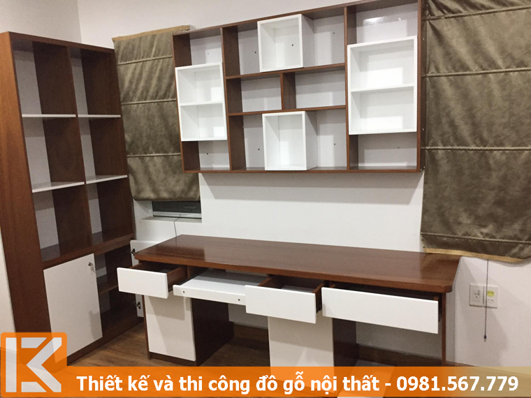 Đóng bàn làm việc tại nhà ở quận Bình Thạnh KM245451